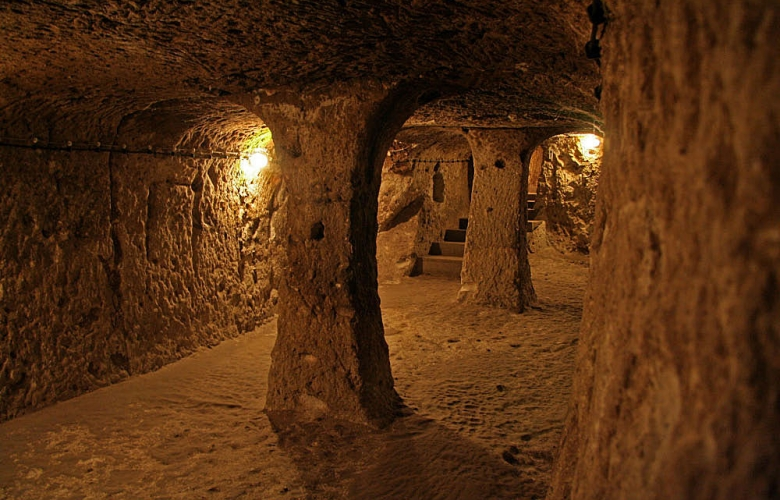 Underground city of Derinkuyu. Kapadokya, Turkey.